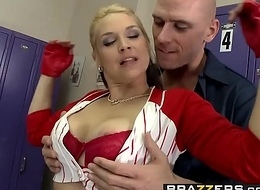 Brazzers - Broad in the beam Tits Anent Sports - Pre-Game Titual scene capital funds Sarah Vandella and Johnny Sins
