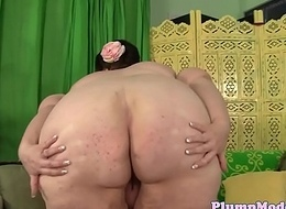 SSBBW more massivetits toying her pussy