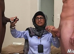 Arab sluts discover the irrumation