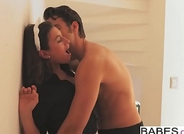 Babes - Date Shortcoming - First off Voyage starring Jay Smooth and Julia Roca clip